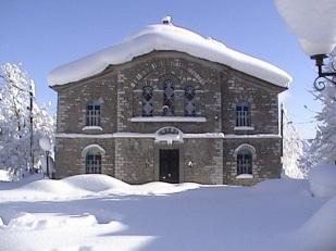 Χιονισμένος ο Ναός Κοίμησεως της Θεοτόκου